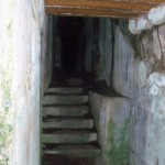 Die Gänge waren in den Bunkern schon unangenehm schmal und niedrig