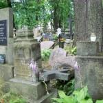 Uzupis hat auch einen Friedhof mit scheinbar sehr unruhigen Toten, lauter umgestürzt Grabsteine jedenfalls.