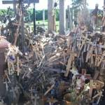"""Einer der """"Kreuz—Müllhaufen"""""""