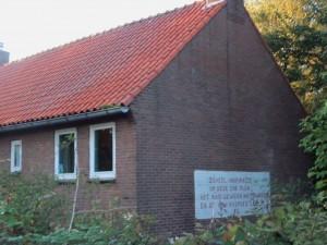 Dieses Haus in Ruigoord verkündet ... was?